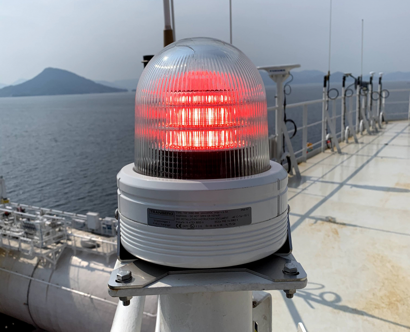 TRANBERG® Status light active close-up aboard Altera Wave