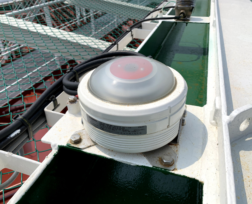 TRANBERG® Status light repeater active close-up aboard Altera Wave